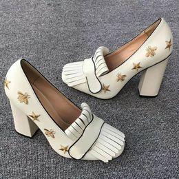 Tacones altos para formal online-Clásico zapato de tacón alto zapatos de cuero de diseño profesional zapatos de tacón alto cabeza redonda botón metálico zapatos formales de mujer US11