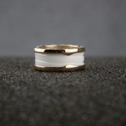 Bagues pour femmes en or noir en Ligne-Anneaux en céramique de bague en or 14k en or 14 carats de céramique blanche haute version pour femmes