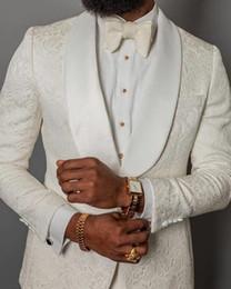 2019 Nouveaux Ivoire Hommes Costumes Slim Fit Deux Pièces Plage Garçons D'honneur De Mariage Tuxedos Pour Hommes Châle Revers Costume De Bal Formelle (Veste + Pantalon) ? partir de fabricateur
