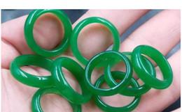 2019 smaragd jade ringe NEUES Modell realer Stein smaragdgrüner Jade-Handgravur Ringe Groß- und Kleinhandel geben bester Ring des Verschiffens keinen Kasten frei günstig smaragd jade ringe