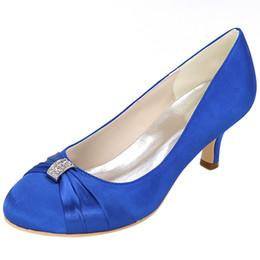 2019 chaussures habillées couleur ivoire Sexy2019 Cercle Tenue De Mariage Robe Photographie Soies Satins Banquet Ivoire Bai Baolan Couleur Bleu Royal Chaussures De Femmes chaussures habillées couleur ivoire pas cher