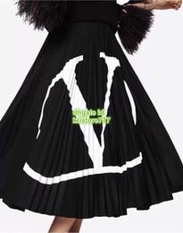 Vestido estampado de mitad de la pantorrilla online-Mujeres carta plisada Jersey Falda Imprimir Negro La alta calidad A-line Overskirt Vestido de falda de cintura alta media pierna S-L