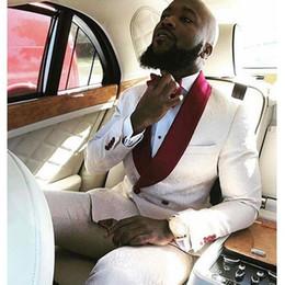 2019 giacca a doppia petto Classy modello doppio petto abiti da ballo uomo scialle con risvolto abiti da sposa per uomo smoking tre pezzi Groomsman giacche giacca + pantaloni + papillon giacca a doppia petto economici