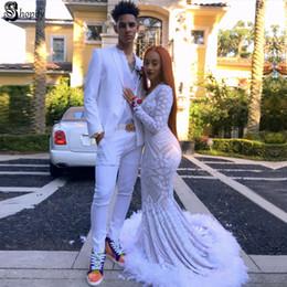 Uzun Zarif Gelinlik Modelleri 2019 Seksi Mermaid V Yaka Uzun Kollu Pullu Afrika Tüy Beyaz Bayanlar Balo Elbise nereden