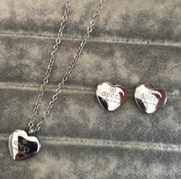 Conjunto de joyas 316l online-Nueva joyería de los collares de lujo 316L titanio acero 18K chapado en oro collar collar de plata colgante con aretes conjuntos para regalo de las mujeres