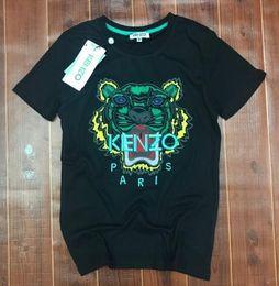 Новый модельер футболки для мужчин топы Тигр глава письмо Вышивка футболка мужская одежда Марка с коротким рукавом футболки женщины топы S-2XL от Поставщики titan tv