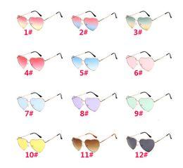 дизайнер в форме сердца солнцезащитные очки Скидка Дамские солнцезащитные очки в форме сердца женщины бренд дизайнер мода любовь прозрачные линзы океана розовые солнцезащитные очки женские óculos UV400 DC250