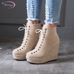 Style européen de la rue à bout rond cheville bottillons mode plate-forme à lacets talons compensés compensés bottes de moto chaussures pour femmes ? partir de fabricateur