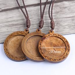 Bandejas de jóias de madeira on-line-Onwear Fit 30mm cabochão redondas configurações de base de madeira pingente blanks com cabo de couro diy colar bandejas para fazer jóias