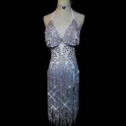 Silberne kleidermodelle online-Glitzernden silbernen Strass Kleid sexy rückenfreie Quasten einteiliger Body Prom Party Model Catwalk Sänger Performance Kleider