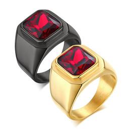 2019 anillo de diamantes de cristal swarovski 18k Anillo de acero inoxidable chapado en oro negro de alto espejo pulido Anillo de piedra de circonio cúbico rojo de alto grado