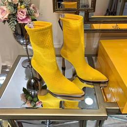 Новые Женские сапоги на высоком каблуке из жаккарда желтого цвета Роскошные дизайнерские туфли Женские сапоги на высоком каблуке из жаккарда желтого цвета носки Высота каблука 10см cheap jacquard socks от Поставщики жаккардовые носки