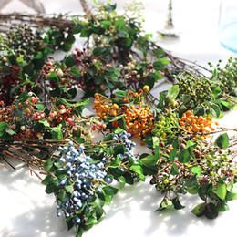 Piante artificiali da tavola online-Artificial Plant Berry Bouquet Simulazione Flower Berry Mirtillo Fruit Plant Living Room Decoration Decorazioni per la tavola di Natale