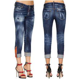 Mädchen jeans design online-New Fashion Design Jeans Damen Damen Patch Detail Mit Bündchen am Saum Destroyed Jeans Cool Girl Cropped Fit