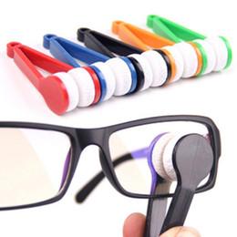 Essuie-glaces pour lunettes en Ligne-1 PCS Envoyer Aléatoire Pour Les Couleurs Mignon Mini Lunettes De Soleil Essuie-Glace Lunettes Accessoires En Plastique Poignée Clip Mirofiber Glasses Cleaner