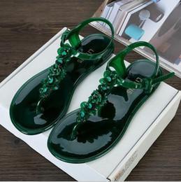 pisos zapatillas de plastico Rebajas Estilo europeo y americano, flores hechas a mano, sandalias de plástico, verano, fondo plano, hebilla de correa, zapatillas antideslizantes de playa