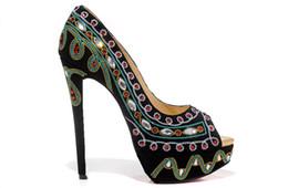 Tacones de hierro de lujo con punta de hierro gris Plataforma bordada de color azul oscuro Zapatos de tacones altos de diseñador para mujer Zapatos para mujer sexy desde fabricantes