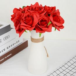 flores para decorações do casamento Desconto 5 pçs / lote Artificial Rose Flores buquê de Casamento Branco Rosa Thai Royal Rose Flores De Seda Decoração de Casa Decoração de Festa de Casamento
