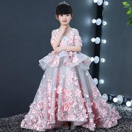 2019 Belle Pourpre Et Blanc Fleur Filles Robes Perlées De Dentelle Appliqued Bows Toddler Pageant Petites Robes Pour Les Enfants De Noce ? partir de fabricateur