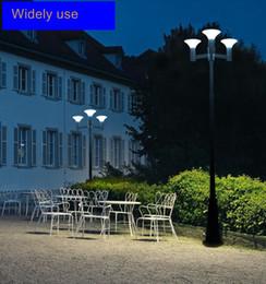 solar außenposten lichter Rabatt Solar Laternenpfahl- Leuchten Außenbereich, Dreifach-Head Straßen-Vintage-Solarlampe im Freien, Sonne Pfosten Licht für Garten, Rasen, Blumenkasten