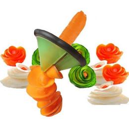 Frutas vegetales que tallan herramientas online-Creativo espiral vegetal máquina de cortar utensilios de cocina Cocina Accesorios / Herramientas de frutas talla vegetal Gadgets de cocina rollo de flor