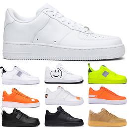 Nike Air Force 1 AF1 Hommes Femmes Casual Chaussures De Course De Mode Plateforme Sneaker Utilitaire Noir Blanc Volt Rouge Avoir Un Jour De Lin