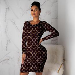 langer herbst röcke für frauen Rabatt Frauen fallen Winter Kleider Marke Minirock Rundhals Langarm-Kleid Art und Weise Normallack kleidet beiläufige figurbetontes Kleid freies Verschiffen 1064