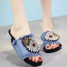 Sandalias de suela gruesa y zapatillas de verano Zapatillas de mezclilla Zapatillas de interior y exterior Palabra plana plana con zapatos de playa 3A A1 desde fabricantes