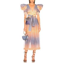 Флаттер Рукав 2019 весна лето новый стиль с поясом платье градиента в клетку Платье Line для вечеринки от Поставщики атласные манжеты меховые рукава