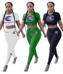 Kurze beine hose online-Champions Brief Kurzarm Trainingsanzug Frauen Crop T-Shirt + Hosen Legging Enge 2 Stück Sportbekleidung Kurzarm Outfit Casual Anzug