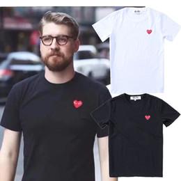 Canada Couple t-shirt JOUER amour broderie Manches courtes Mode simple Sauvage moitié manches nouveau style en gros Offre