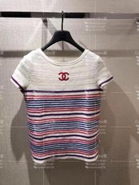 Tricô de seda on-line-2019 verão nova moda feminina de manga curta o-pescoço logotipo bordado tarja padrão casual plus size ice silk camisola de malha top camisa