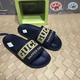 Homens de luxo Mulheres Sandálias 35-46 moda casual sneakers trabalho de qualidade superior entrega gratuita caixa de flor M25 de