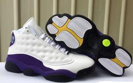 scarpe coreane ragazze bianche nere Sconti Retro Big Kids Scarpe da basket Laker 13 da uomo White Court nero Purple University Gold Sneaker Sports Lakers Rivals Shoe Size: 7Y-US13