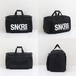 2019 bolsas de almacenamiento de agua Viajes multifunción zapatillas de deporte bolsa de almacenamiento al aire libre camping bolso de Duffle bolsas de agua para pruebas plegable Negro material de nylon bolsa de ZZA218-1 bolsas de almacenamiento de agua baratos