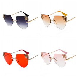 45378b69b1 Frameless Sunglasses Retro Eyewear Bee Decoration Women Cat Eye Trimming  Rhinestone Multi Color Anti UV 15jtb F1