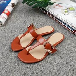 sandálias marrons Desconto yangzizhi6 2019 pitada chinelos marrom 0070 Mulheres Chinelos Chinelos Drivers Sandals Slides Sneakers Princetown Couro chinelo de couro real