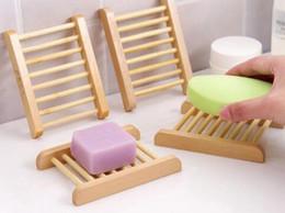 Saponi da piatto online-Vassoi di bambù naturali 100PCS all'ingrosso Sapone di legno piatto Vassoio di sapone di legno Titolare Rack Box Box Container per bagno doccia Bagno