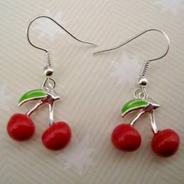Anzuelos de plata online-Esmalte rojo Cereza Fruto Charm Pendientes Plata Pescado Gancho de oreja 20 par / lote Joyería de Plata Antigua Araña