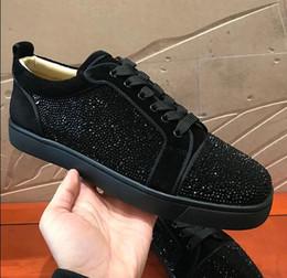 Strass preto apartamento on-line-2019 Sapatilha De Luxo Cravejado strass homens formadores Vermelho Sapatos Inferiores de alta qualidade CINZA NOVO Designer Flats Marca de Camurça Preta De Couro