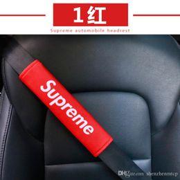 Fundas de asiento para vehículo online-2 UNIDS Nueva Hot Fashion Cinturón de seguridad para el hombro Almohadilla para el hombro Cómodo Cinturón de seguridad para el vehículo Vehículo Suave felpa Cinturón de seguridad Correa para el arnés Cubierta DXY
