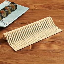 Commercio all'ingrosso nuovo 1pcs strumento di sushi stuoia di laminazione di bambù rullo di riso Onigiri fai-da-te rotolo di pollo mano creatore cucina giapponese Sushi Maker strumenti supplier bamboo sushi mat da stuoia di sushi di bambù fornitori
