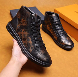 2019 hot Designer New hot mens chaussures de luxe de concepteur blanc Casual Bee Girls femmes baskets cuir broderie G abeille coq tigre Marque ? partir de fabricateur