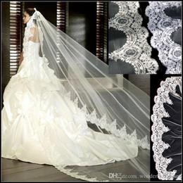 Mantilla de renda de véu de casamento on-line-3 Metro Branco Lvory Catedral Véus De Noiva Borda Do Laço Longo Nupcial Veile com Pente Acessórios Do Casamento de Noiva Mantilla Veile Do Casamento