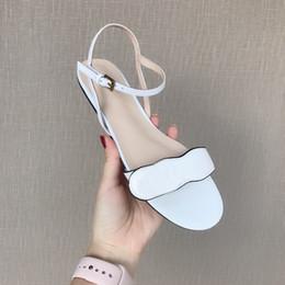 scarpe a cinghia metà tacco t Sconti 2019 donne di marca in pelle tacco medio sandalo regolabile cinturino alla caviglia 6.5 cm di alta grosso nero rosso bianco sandalo scarpe scarpe di lusso taglia EU35-40