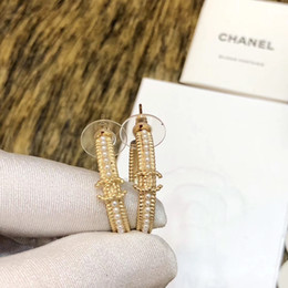 Perle femminili online-Top Quality Pearl Designer Orecchini per le ragazze Donne Orecchini a cerchio in oro 18 carati Orecchini a forma di cerchio di livello con scatola
