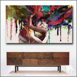 2019 baciare dipinti ad olio Wlong Amore Bacio Pittura A Olio Su Tela Dipinti Per Soggiorno Parete Senza Cornice Decorativa Immagini Pittura Astratta Q190426 baciare dipinti ad olio economici