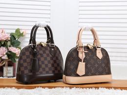 2Подлинная femalLV сумка ALMA BB классическая старая сумка с цветком и ракушкой из натуральной кожи на плечо с подвеской сумки известных брендов сумка высшего качества Crossbody сумка от