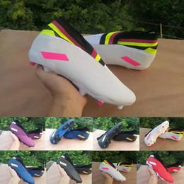 Tacos de fútbol messi negro online-2020 nuevos llega los zapatos para hombre del fútbol Messi Nemeziz 19,3 FG sin cordones as 19 + x Slip-On baja 360 Fútbol de tobillo Azul Negro Rojo Botas de Tacos