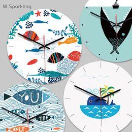 Настольные часы онлайн-Бесплатная доставка Nordic дома горячий стиль декоративные настенные часы офис акриловые деревянные часы берется к настенные часы